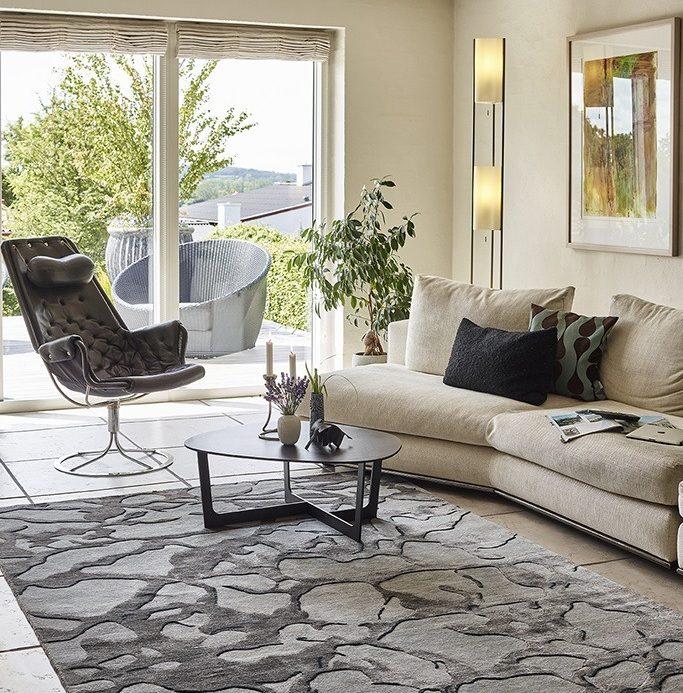 helles Wohnzimmer mit beiger Couch